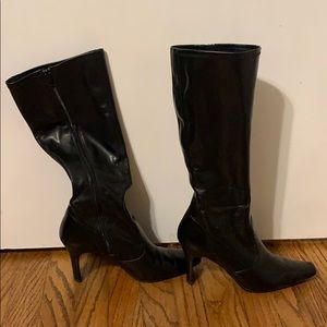 Nine West size 9 black synthetic boots